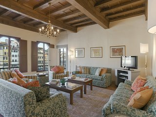 Medici Suite - Three-bedroom apartment near Santa Croce church, Florence