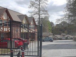 Atlanta Townhome (within perimeter/15m downtown)