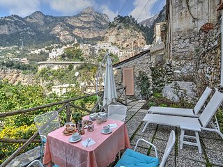 Positano Villa Sleeps 2 with Air Con - 5228504