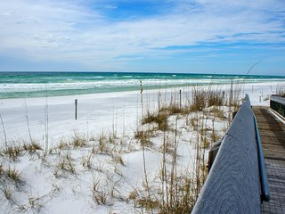 Emerald Hideaway Renovated Condo in Navarre Beach