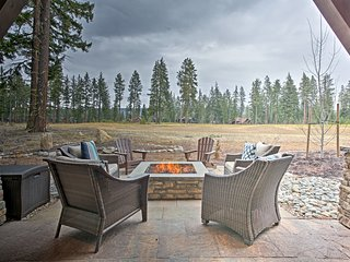 Cle Elum Home on Golf Course w/ Fire Pit & Hot Tub