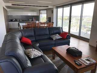 Collingwood Silos 7 - 3BR 2.5BA with Gym Parking Cafes Shops Restaurants