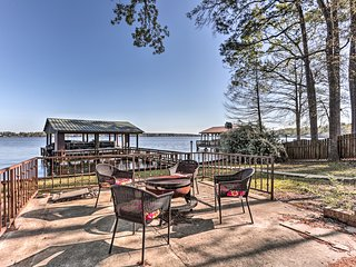 Waterfront House on Toledo Bend w/ Private Dock!
