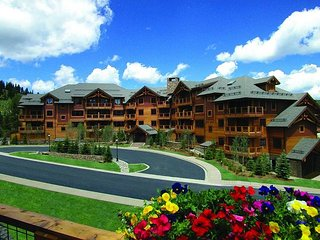 Mountain Thunder Lodge, in the Heart of Breckenridge