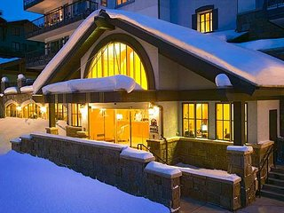 Lodge Tower at Vail Village, Lounge, Fitness Center, Outdoor Pool and Hot Tub