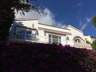 Villa Grandif, beach side 4 bedroom villa, 1km from Monaco, stunning sea views.