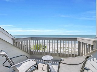 Full Gulf View! 2BR All-Suite w/ Private Access to Indian Rocks Beach