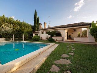 Elegante Villa ubicata all'interno di una zona residenziale il Villaggio Adriano