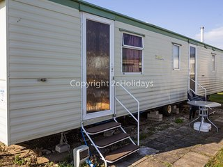 6 berth caravan at Heacham Holiday Park. *Pets allowed. REF 21015E