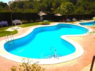 2 Bed House / 2 Bathrooms / A/C / 2 Pools / Playa Flamenca