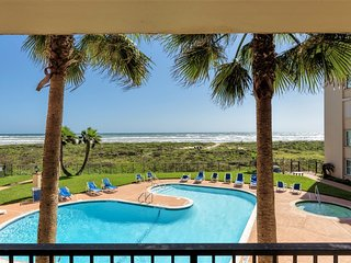 Casual FAMILY condo with FABULOUS views of the pool and the Gulf!!