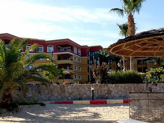 apartment is located on the beach, the length of the beach is 400 m2 in length.