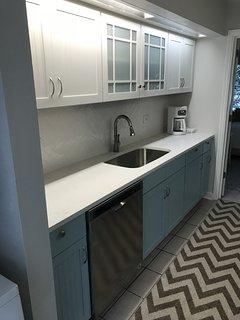 4/1/18 NEW galley kitchen! Stainless appliances, quartz counters, ceramic backsplash