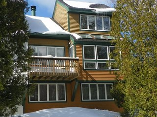 Pet Friendly Waterville Valley Vacation Rental Sleeps 8 with Access to Indoor Po