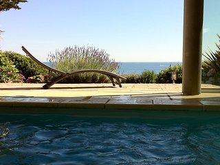 Maison face a la mer avec piscine chauffee