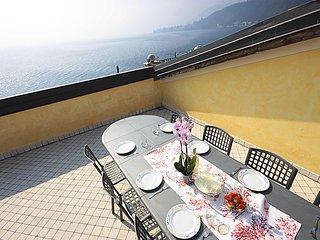 Miro, appartamento di lusso con piscina, terrazza con strepitosa vista lago