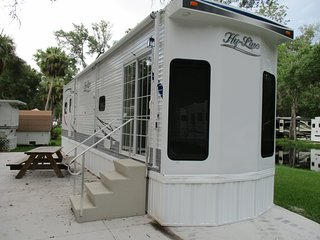 One Bedroom, One Bathroom Trailer Rental at Homosassa RV Resort!