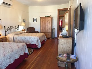 Historic Buffalo Suite, Downtown Main Street, Two Bedroom