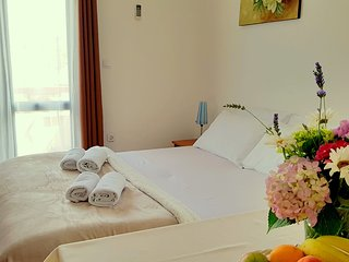 Fully Equipped Studio Apartment with Sea view and complete service