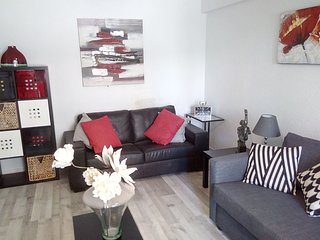 Stunning Modern Apartment 50 meters from beach in the center of the Old Town