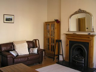 2 bed apartment in central Edinburgh. Ideal for families. Wifi.