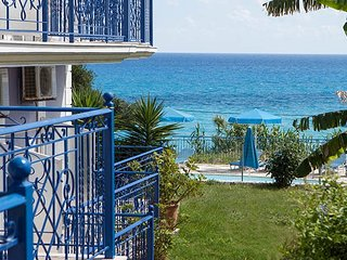 Lovely studios near amazing Lourdas beach on gorgeous island of Kefalonia