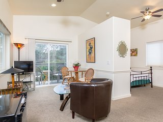 Private Studio With Separate Entrance in a Peaceful Neighborhood