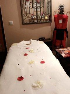 Salle de soins et massage sur place, tarif sur demande