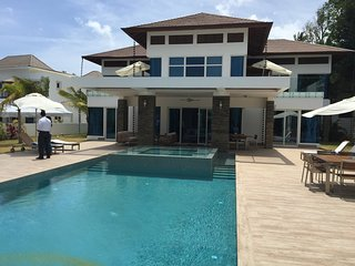 Alvarez Villa Luxury