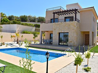 Latchi Beach 4 Bedroom Villa - Opposite Beach - Sea VIews - Private Pool - Wifi