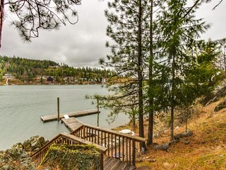 Lake-front dog-friendly home with dock, firepit, & plenty of room for everyone!