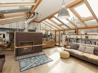 Relax In Style at Our Unique Cornish Holiday Home