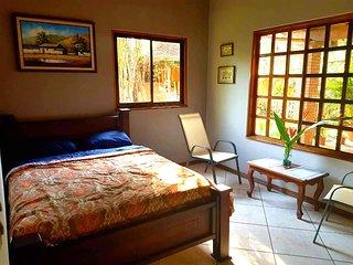 Wunderschones neues Gastezimmer mit grossem Garten in Palmares - Costa Rica