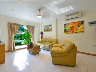 3 Bdr Luxury Villa12 300m From the Beach
