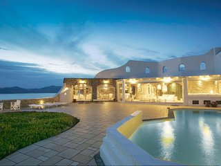 Blue Villas | Sunset | Traditional Villa with view