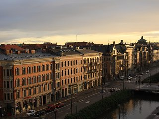 Perfect 3 bedroom apartment for Malmo city break - Great views!