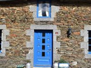 Maison des Oiseaux, A Detached Traditional Breton Farmhouse in Merleac, Brittany