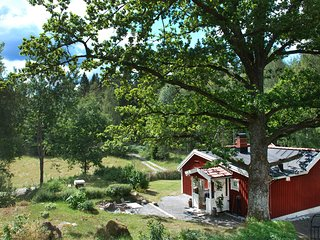 Stuga/cottage in Stockholm area and rural setting/40 min from Sthlm city