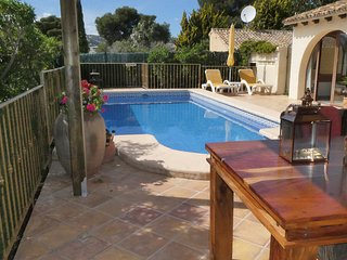 Luxury Villa with Private Pool in Exclusive Pla Del Mar.