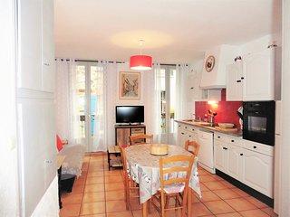 Les Arcades St Vincent: MIMI CHOU- Clim, Wifi, L.linge, L.vaisselle, Congél. TV