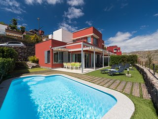 WONDERFULL VILLA WITH PRIVATE HEATED POOL