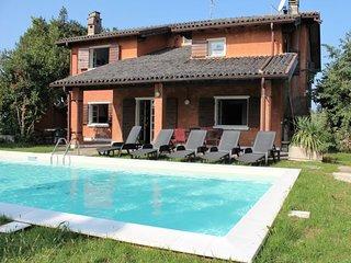 6 bedroom Villa in San Felice del Benaco, Lombardy, Italy : ref 5060220