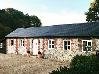 The Old Dairy, relaxed rural living just a stones throw from Chichester harbour