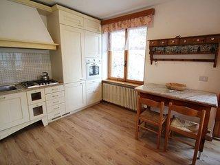 Pieve di Ledro Holiday Home Sleeps 11 with WiFi - 5697100
