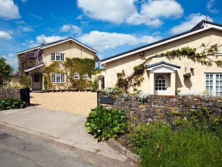 Llety y Ddafad - located near Cowbridge and only 11 miles from Cardiff: BOW17