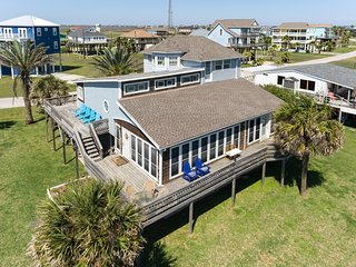 Blue Dolphin in Treasure Island- Stunning Gulf Views!