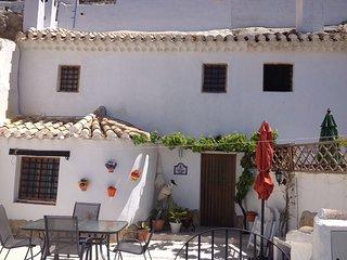 Cueva Chelaja, lovely cave house in Galera