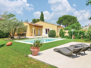 2 bedroom Villa in Cabannes, Provence-Alpes-Cote d'Azur, France : ref 5539363