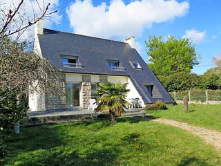 5 bedroom Villa in Sainte-Marine, Brittany, France : ref 5438394