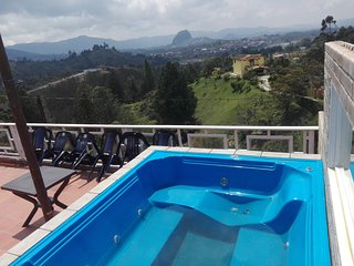 LookOut Lodge - Mirador de Guatape